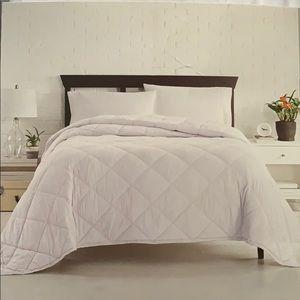 Other - King Down Alternative Blanket 100% Cotton